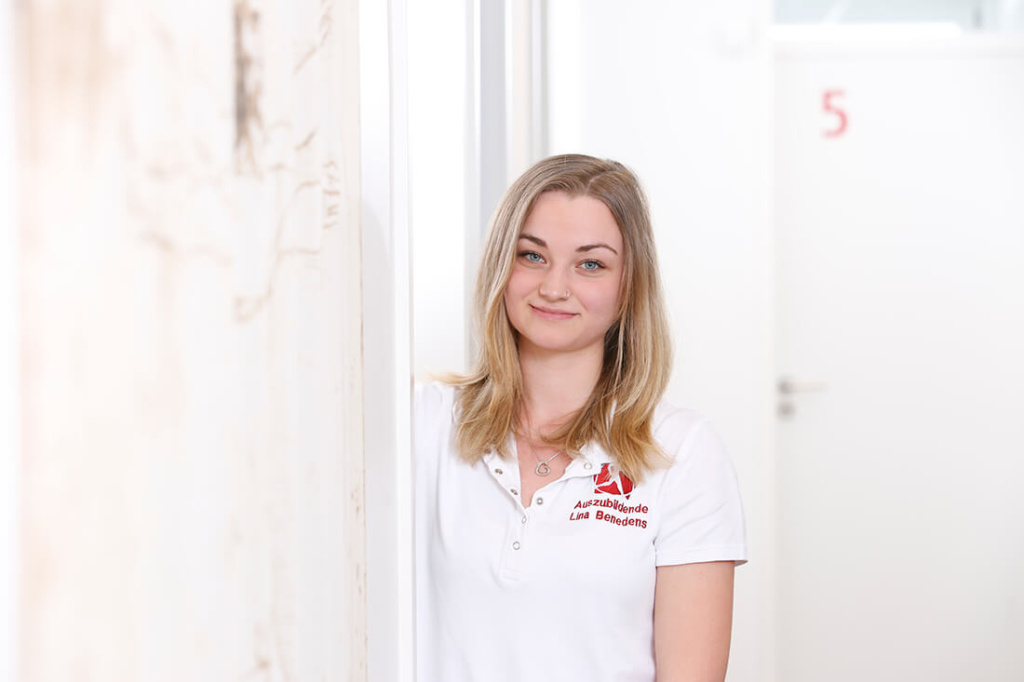Orthopädie Velbert - Dr. Kindhäuser & Dr. Laserich - Team - Lina