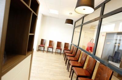 Orthopädie Velbert - Dr. Kindhäuser & Dr. Laserich - Wartebereich der Praxis
